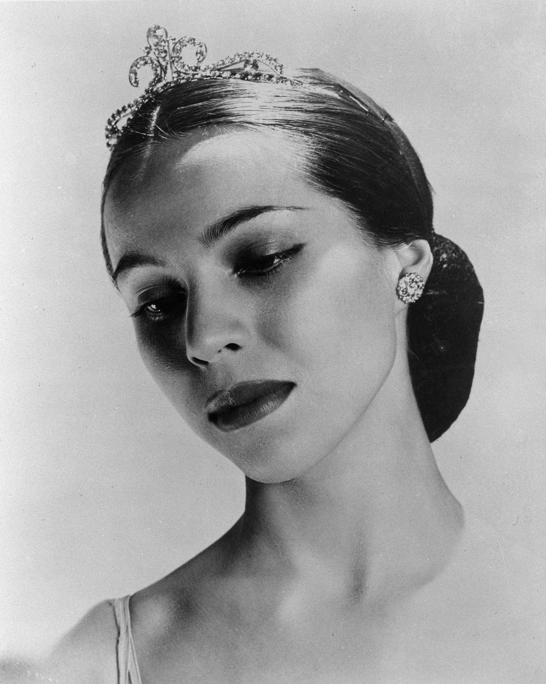 balanchine and women George balanchine was a choreographer styled as the father of american ballet,   he married and divorced three more times, all to women who were his.